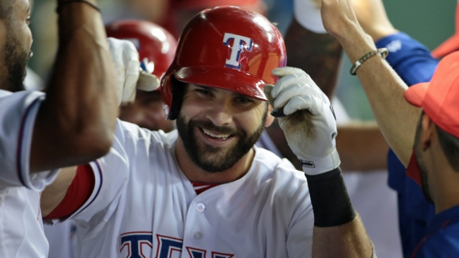 Report: Red Sox to Sign 1B Mitch Moreland