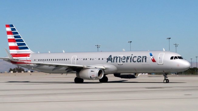 Man Sues American Airlines After 14-Hour Flight Between Obese Passengers