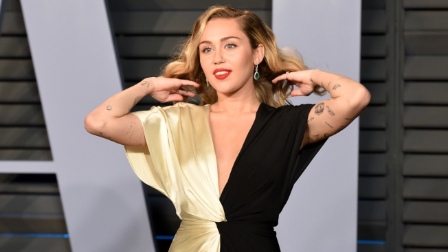 Miley Cyrus Retracts Apology for Nude Vanity Fair Portrait From 2008
