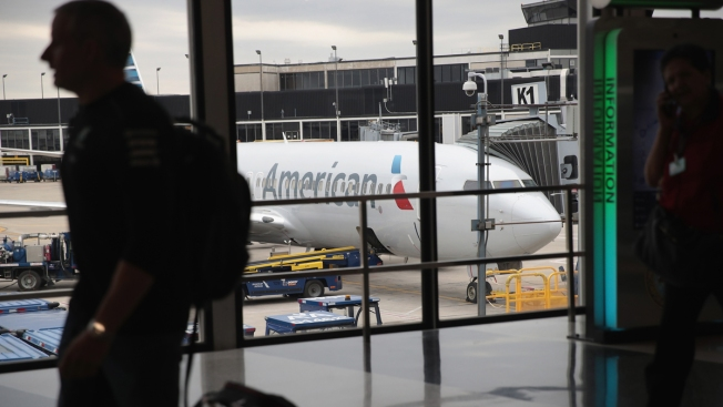 AA Aims to Avoid Putting Delayed Travelers on Other Airlines