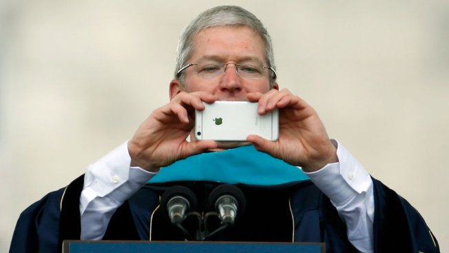 Tim Cook Delivers Commencement Address About Steve Jobs