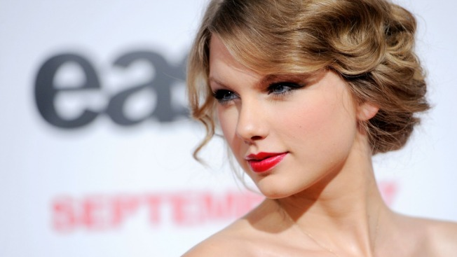 Man Wants Taylor Swift to Testify in His Trespassing Case