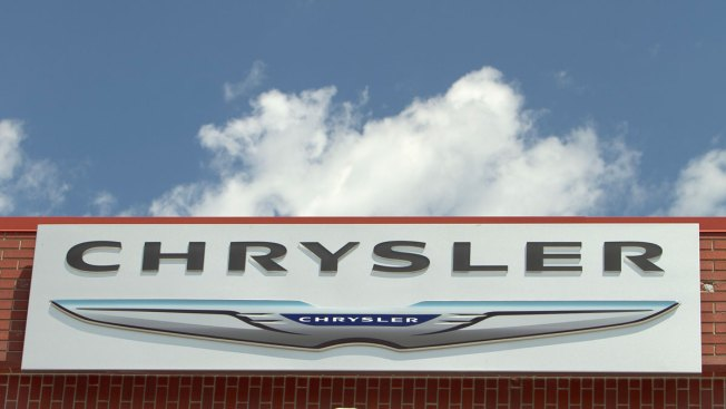 Fiat Chrysler Recalls Vehicles for Fuel Leak, Wiper Problems