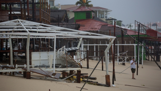 Hurricane Newton Slams Into Mexico's Los Cabos Resorts