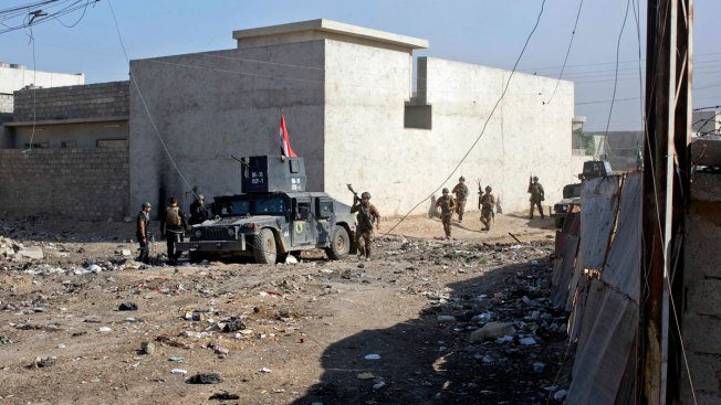 Iraqi Units Clear Mosul Buildings After Advances, IS Attacks