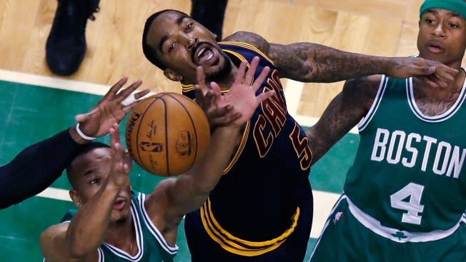 James Dominates, Cavs Beat Celtics 114-91 in East Showdown