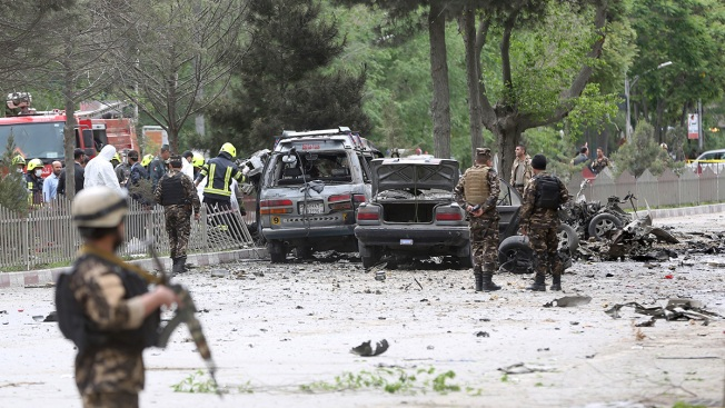 Kabul bomb attack targeting Nato convoy kills eight