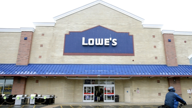 Lowe's Lays Off Thousands of Workers