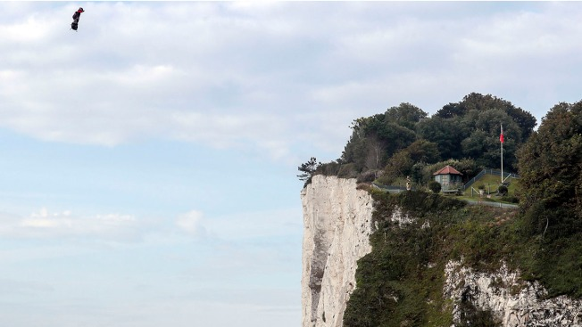 A Bird? A Plane? French Inventor Flies Over English Channel