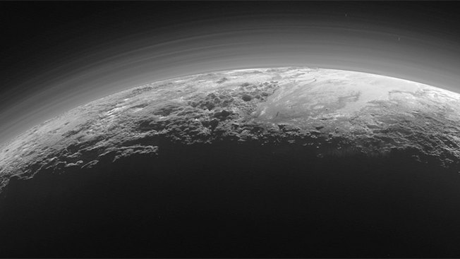 Pluto's Frozen Heart May Hide Underground Ocean