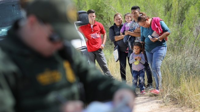 Judge Weighs New US Policy Keeping Asylum Seekers Locked Up