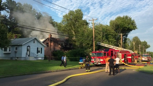 Good Samaritans Rescue 3 People From Bloomfield, Conn. House Fire
