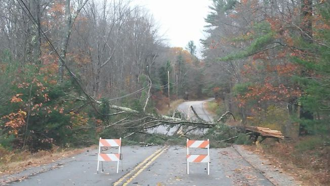 Thousands without power as high winds hit ME again