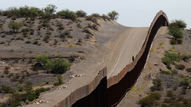 Democrats Will Try to Block Trump's Border Wall Maneuver