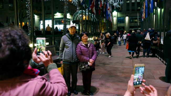 Chinese Tourism to US Drops for 1st Time in 15 Years