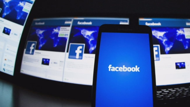 Spot the Difference: Facebook Changes Its Friends Icon