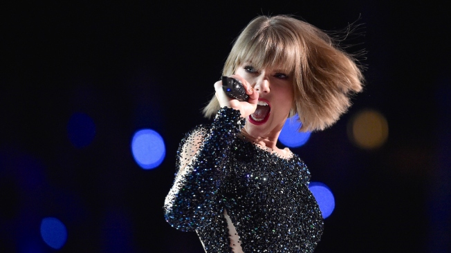 Vogue Cover Girl Taylor Swift Opens Up About Boyfriend Calvin Harris, Taking Time Off