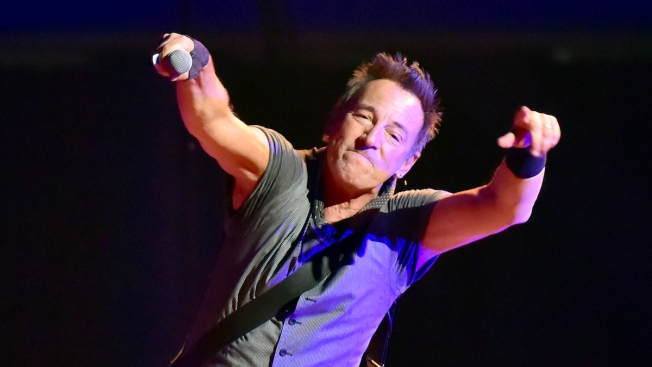 Bruce Springsteen Writes Tardy Note for 9-Year-Old Rock Fan