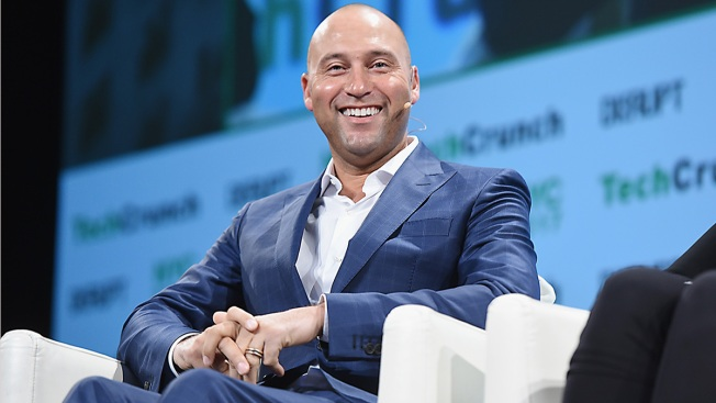Derek Jeter-led group agrees to buy Miami Marlins for $1.2 billion