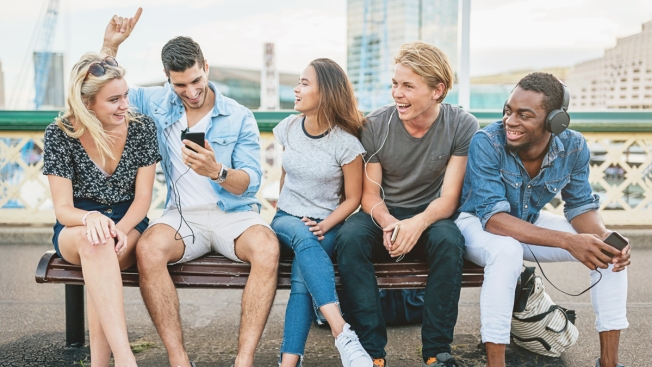 One-Third of Millennials Pick Big Raise Over Relationship: Survey