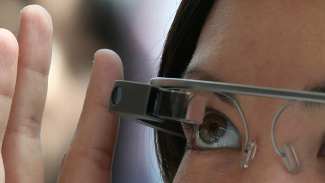 Google to Sell Glass to Bigger Pool of Consumers