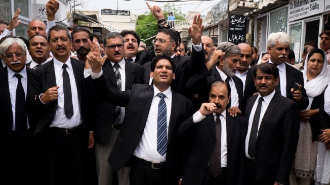 Blast Sparks Nationwide Strike by Lawyers in Pakistan