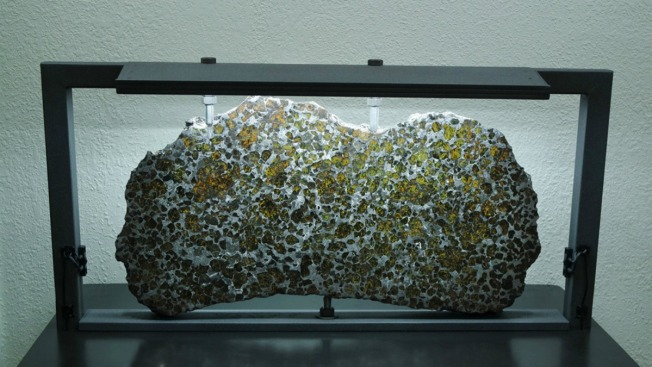 'Stolen' Gold-Flecked Meteorite at Center of Legal Fight