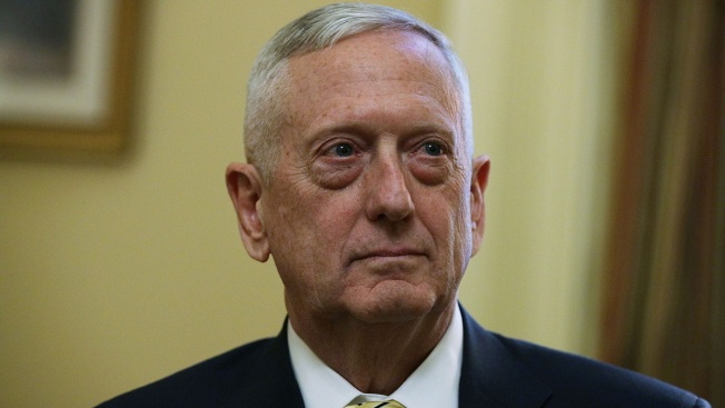 Mattis Seeks More Cooperation With Pakistan on Terror Fight