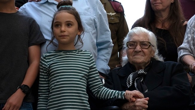 In Fading Ritual, WWII Rescuer Reunites With Jews She Saved