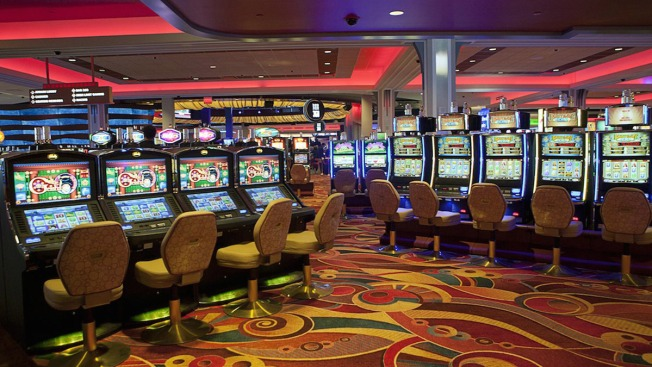 Malloy Signs Bill Authorizing East Windsor Casino Gaming Facility
