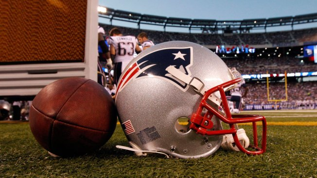 Former Patriots Nose Tackle Lester Williams Dies at 58