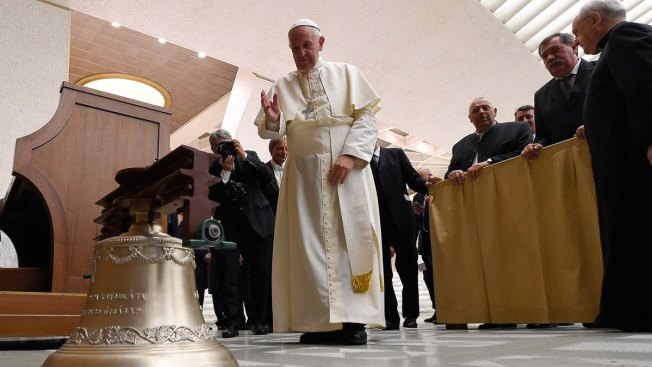 'Rule 40' Twitter Account Trolls Pope, White House, Trump on #Rio2016