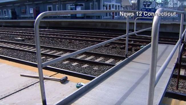 Metro-North Temporary Bridge Collapses with Passenger on it