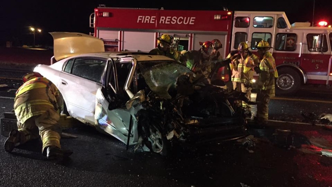 1 Injured After Car Collides with FedEx Truck in South Windsor