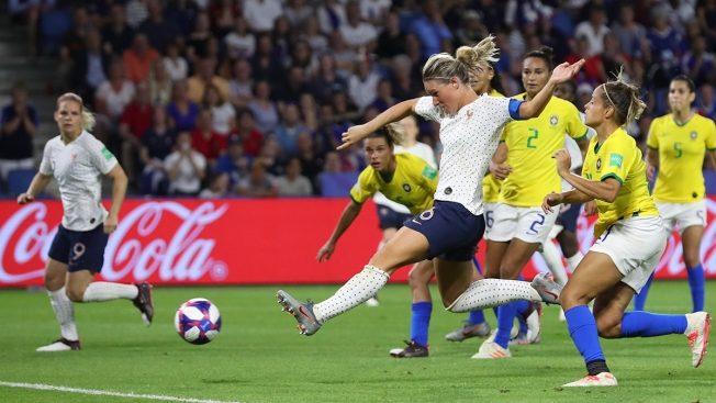 France Beats Brazil 2-1 in Extra Time, Reaches WCup Quarters