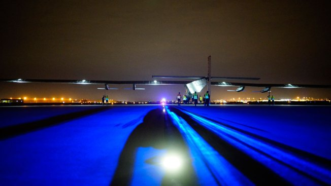 Solar-Powered Plane's Latest Leg :Lands in Ohio From Oklahoma