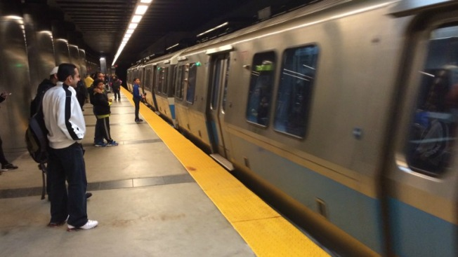 MBTA Blue Line Briefly Operates on Single Track After a Power Problem