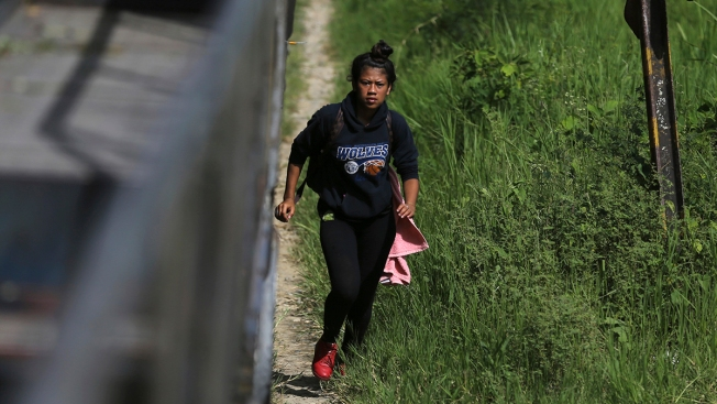 Migrant Woman Killed in Fall From Train in Mexico