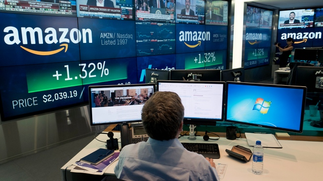 Amazon Falls Off $1 Trillion Market Cap, Leaving Apple the Only Public US Company Above the Benchmark