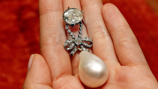 Marie Antoinette Pearl Reaps Record $36 Million, With Fees
