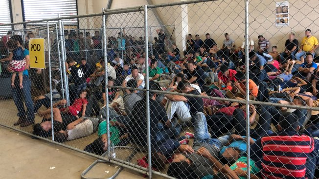US Won't Provide Flu Vaccines to Migrant Families at Border Detention Camps