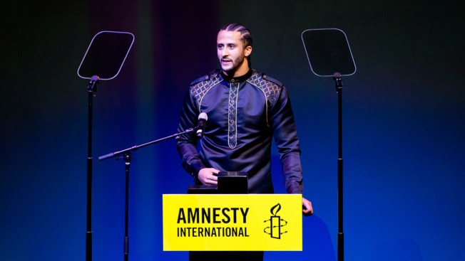 Colin Kaepernick Honored by Amnesty International for Inequality Protests
