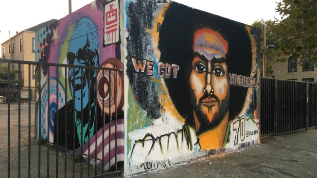 'We Got Your Back': Muralist Salutes Kaepernick in Oakland
