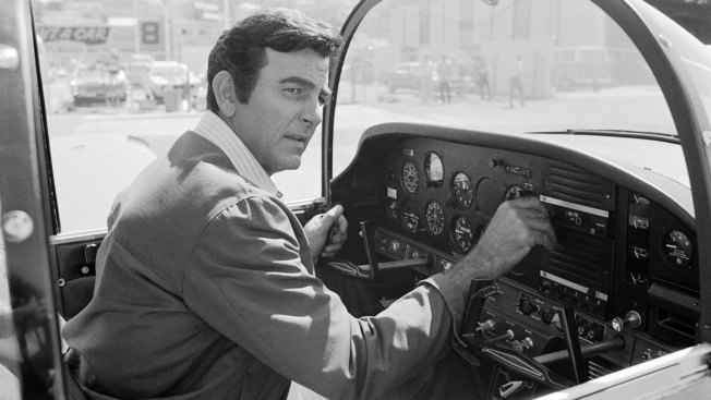'Mannix' Star Mike Connors Dies at 91