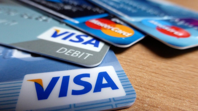 2 Arrested in Connection With Suspected Credit Card Fraud