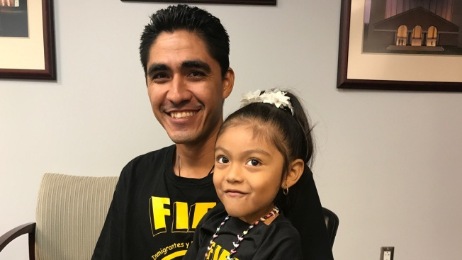 Father of 2 Allowed to Return to US After Being Deported Two Years Ago