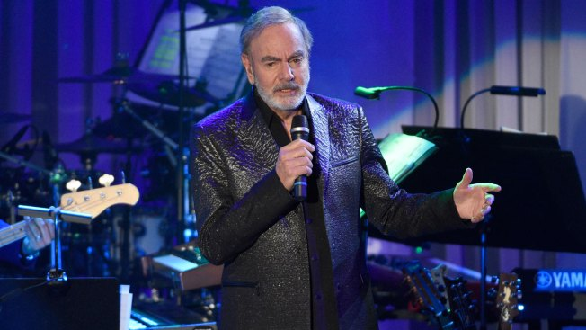 Neil Diamond Says He Has Parkinson's, Retires From Touring