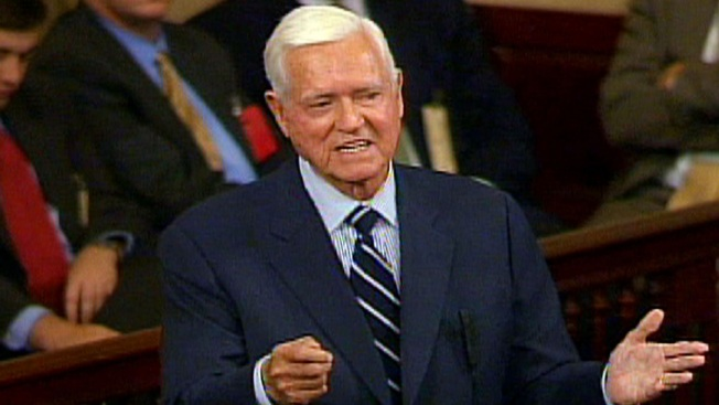 Ex-Sen. Ernest 'Fritz' Hollings of South Carolina Dies at 97