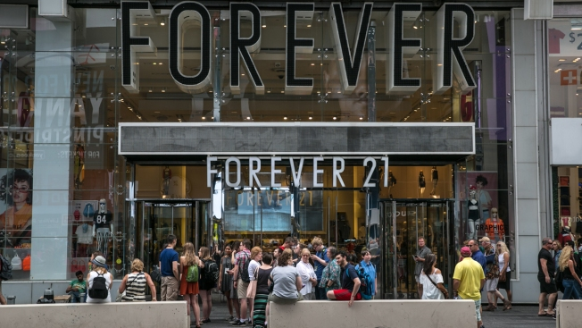 Apparel Retailer Forever 21 Weighs Bankruptcy Filing