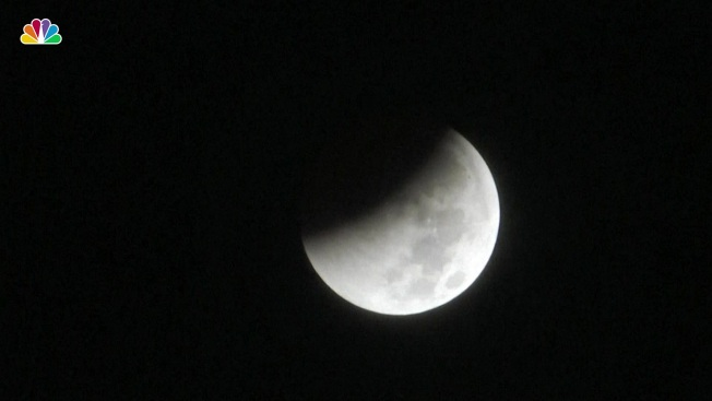 World Gazes At Total Lunar Eclipse Longest Of This Century Necn